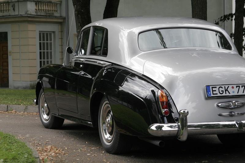rolls-royce-silver-cloud-1964-4
